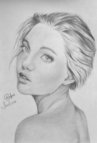 <p>Портрет девушки - карандашом</p>